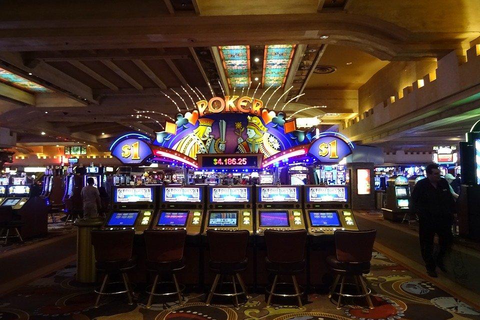 casino 1051381 960 720 1 - Rulettivinkit - Tyylikäs tapa voittaa kasinopelejä